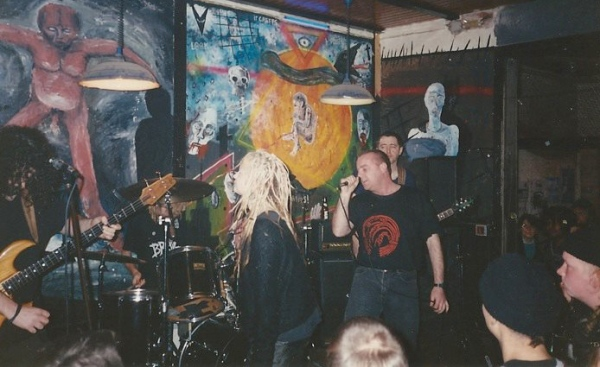 93-10-24 Toxic Waste + Deno (by Wim DL)