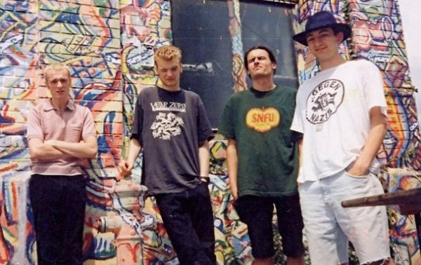 95-07 Manfat (Trav, Michael Gillham, Dale Tomlinson & Ian Roberts) Vienna