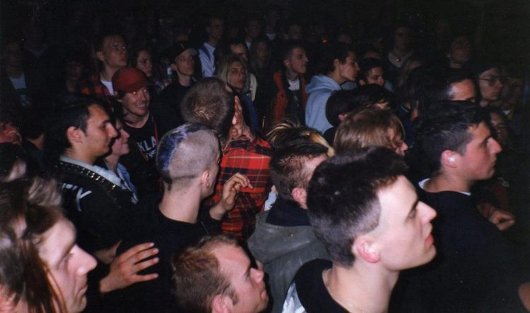 93-09 5th Leed fest - crowd (by Karl P)