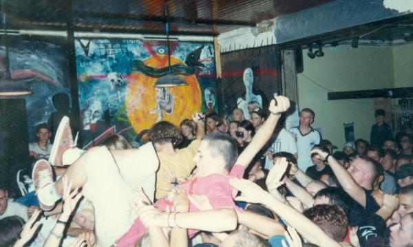94-08 (002) crowd