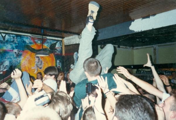 94-08 (002) crowd'