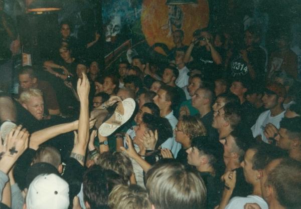94-08 (008) crowd