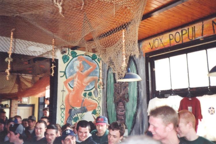 96-05-12 crowd (by S Lammertyn)