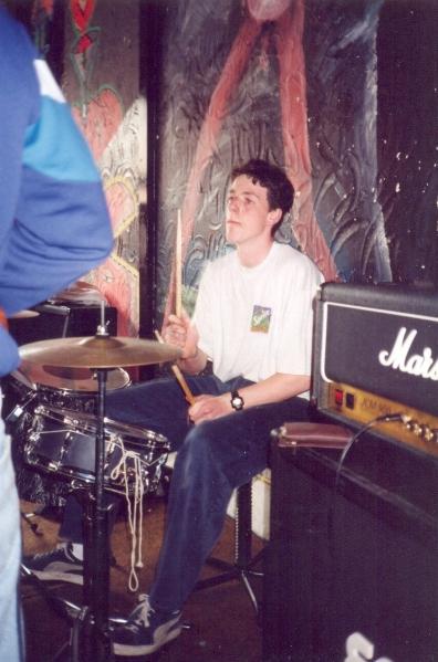 96-05-12 VV Resist The Pain - drum