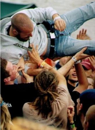 2000-08 crowd''