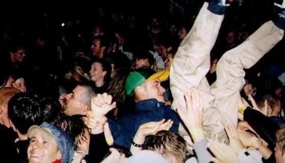 2000-08 crowd'''
