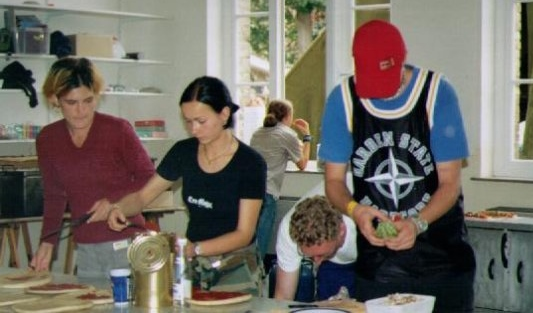 2000-08 kitchen-crew